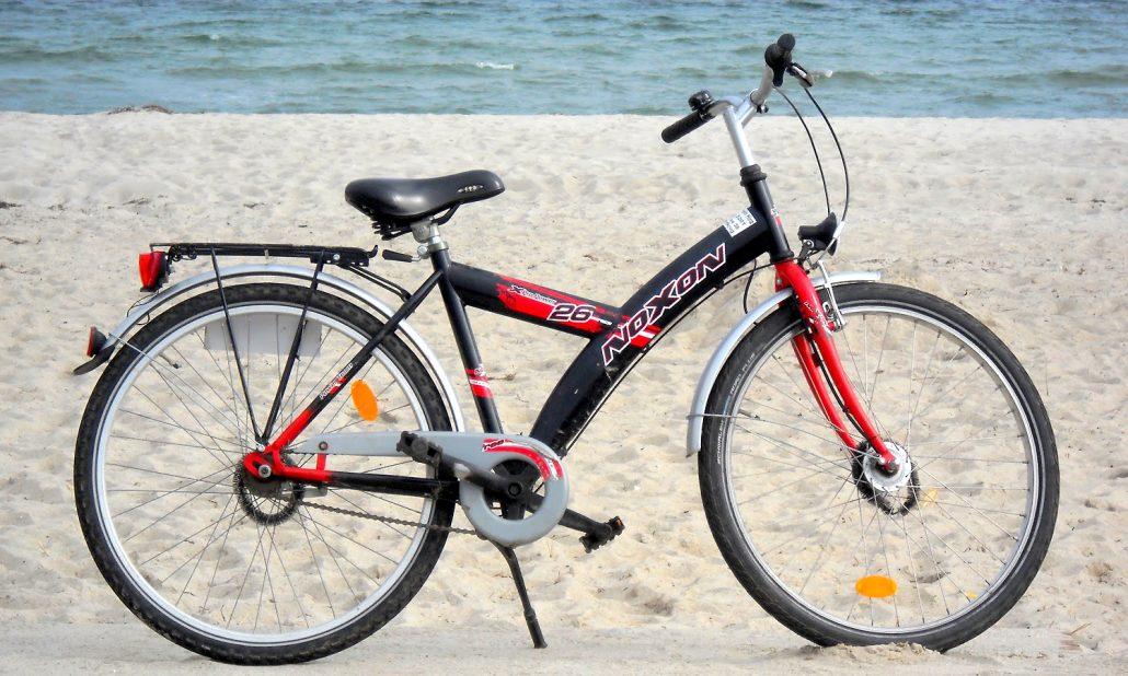 Henner-Hinz-Fahrradverleih-Strandkoerbe-Hafkrug-Ostsee Kinderrad